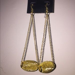 Jewelry - NEW hanging earrings